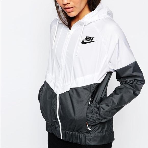4bce1d91bd21 Nike windbreaker women s large MAKE OFFERS. M 5a6927c572ea888461cb1ba6